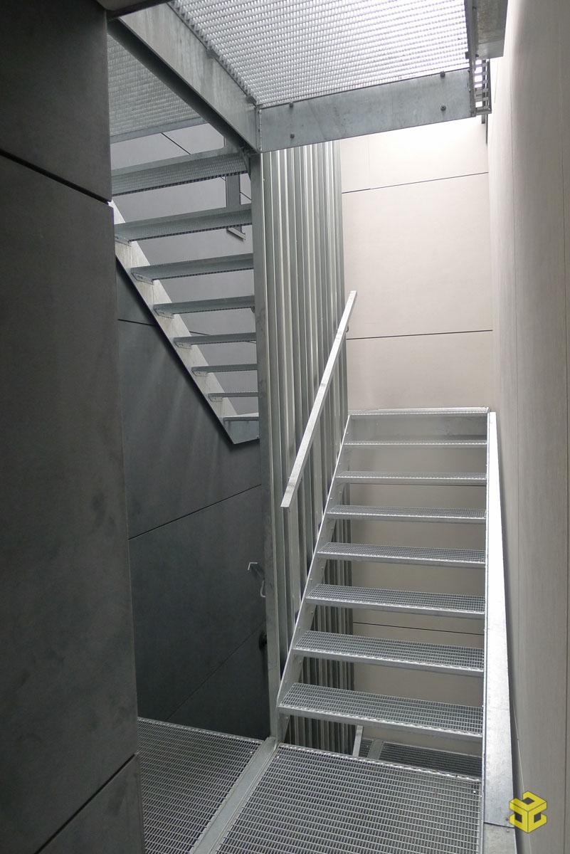 Escalier En Caillebotis Métallique se rapportant à escalier métallique extérieur – menuiserie guilleaume